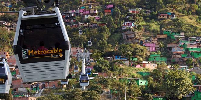 Medellín Metrocable Linea J – Foto Steven Dale
